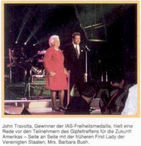 Bush Barbara und John Travolta sc